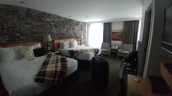 Hotel du Vieux-Quebec: Standard 2-Queen