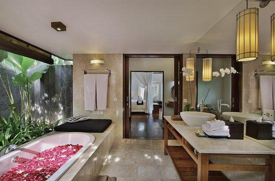 The One Boutique Villa  Semi Open bath room. Semi Open bath room   Picture of The One Boutique Villa  Seminyak