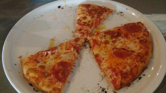 Lake Stevens, Waszyngton: We ordered a persnal pizza but they baked us a small instead for the same price. Now that's serv