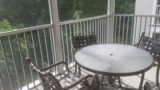 Suites at Fall Creek: outside dining area