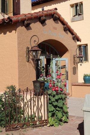 La Posada Hotel: Entrance