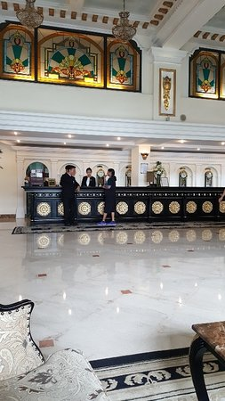 Hotel Majestic Saigon Photo