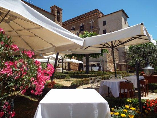 Garden - Picture of La Terrazza del Chiostro, Pienza - TripAdvisor