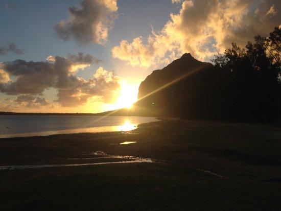 Λε Μορν: Coucher de soleil sur le Morne au retour de la session