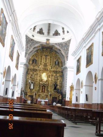 Lucena, İspanya: Interior, conretablo barroco
