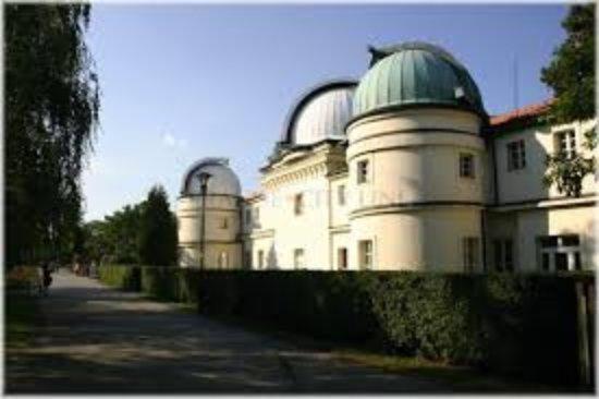 Štefánikova hvězdárna: stažený soubor (4)_large.jpg