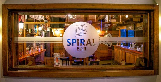 National Park Village, Nova Zelândia: Grab a drink at the Spiral Bar