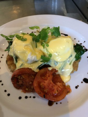 Helensvale, Australia: Eggs Benedict one of four ways