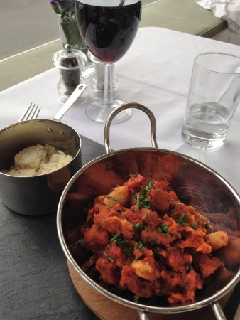 The Marine Hotel: sweet potato, bean & veg chilli