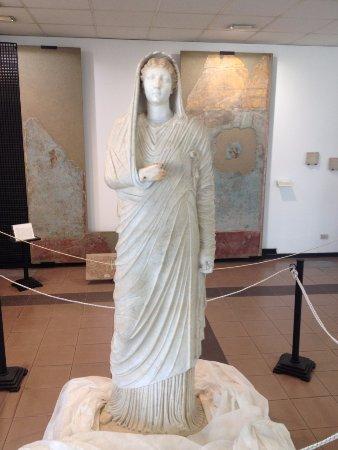 Boscoreale, Italien: Statua