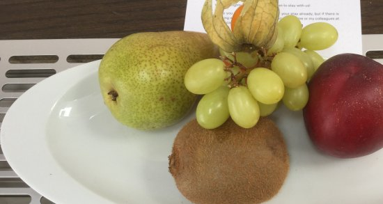 Sheraton Prague Charles Square Hotel: Fruit plate welcome amenity