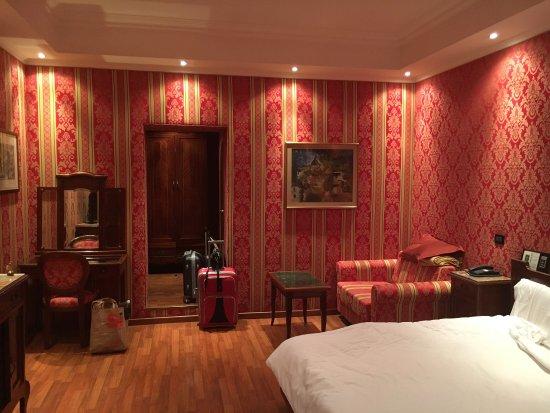 โรงแรมอิมพีโร: photo0.jpg