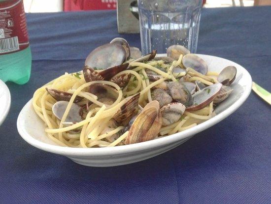 Lido di Castel Fusano, Italie : Spaghetti a' vongole