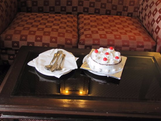 جراند هوتل كاثماندو: Cake they provided