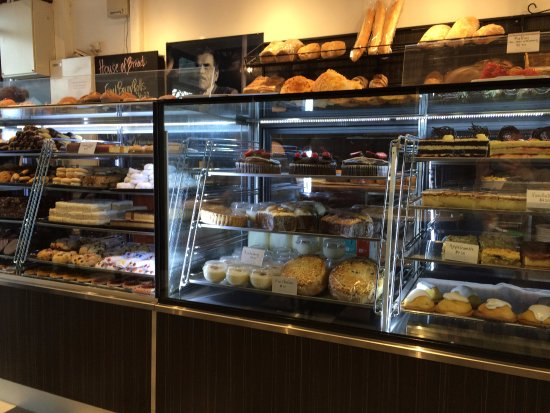 Elwood, Australia: Cake selection