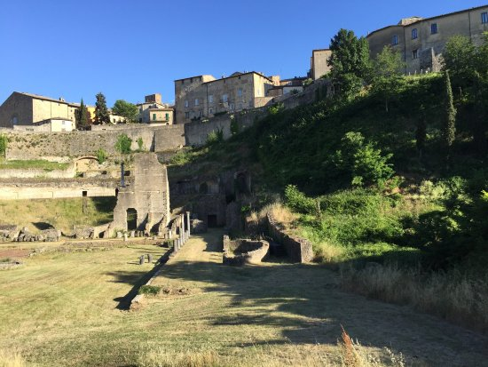 Teatro romano - Picture of Teatro Romano (Roman Theater & Baths), Volterr...