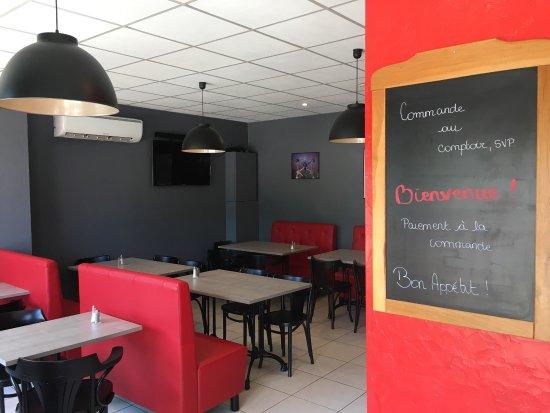 Seilh, France: Nouveau propriétaire et nouvelle déco , des produits qui viennent directement de Belgique !! De