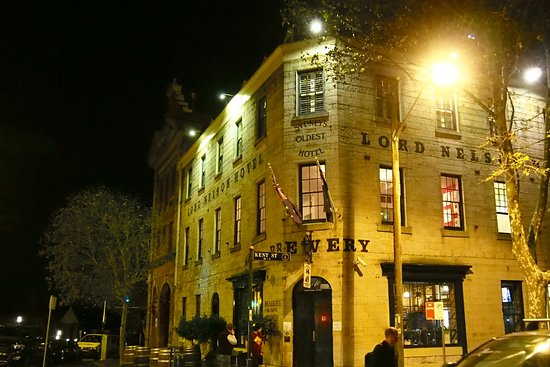 ‪‪The Lord Nelson Brewery Hotel‬: 外観 入り口は小さな木のドア‬