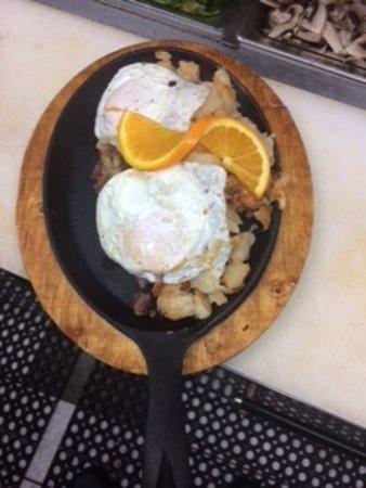 Dover Plains, นิวยอร์ก: Corned Beef Hash & Eggs