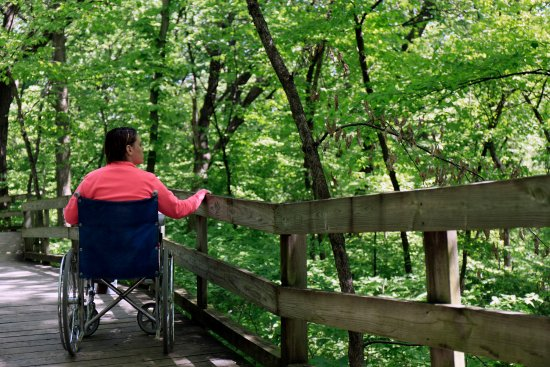 Bellevue, NE: wheelchair certified boardwalk