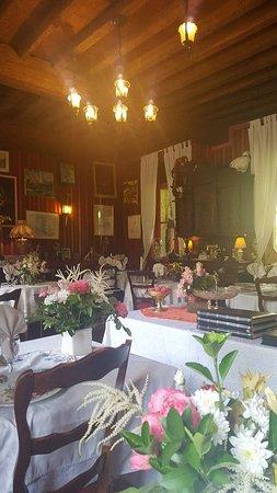 Hesdin, France: Salle de restaurant