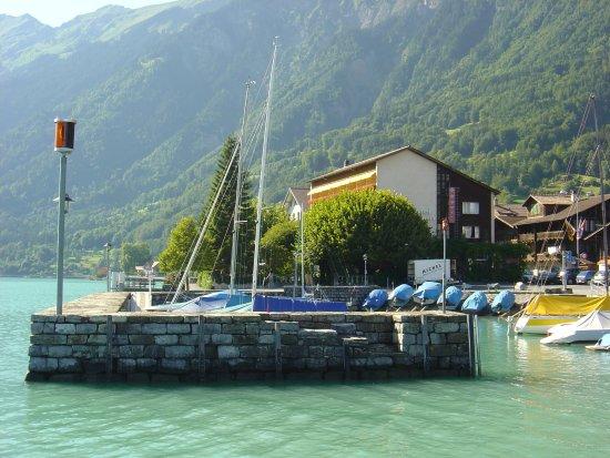 Seehotel Baren Brienz : Direkt am Wasser beim Bären-Hafen