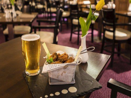 Academy Plaza Hotel: Louisiana Chicken Wings