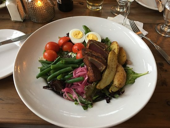 Quincy, MA: Tuna Nicoise Salad