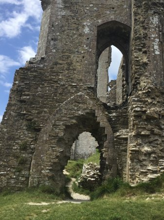 Corfe Castle, UK: View from the back
