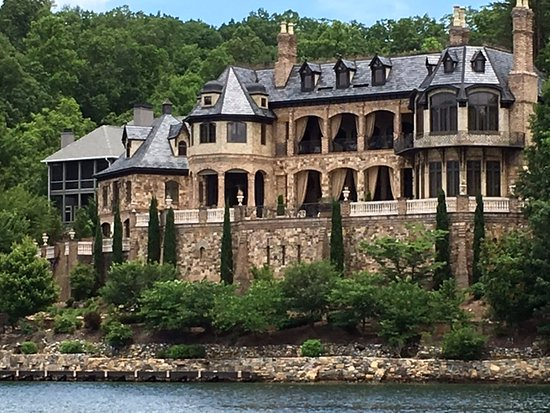 Mansion modeled after Biltmore on Lake Lure