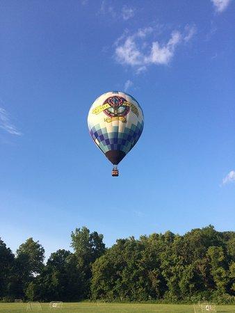 Lebanon, Огайо: Coming in for a landing.