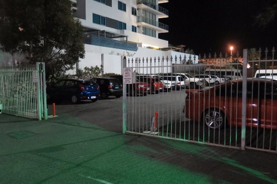 Scarborough, Australia: Secure gated parking