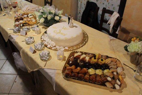 Montottone, Italien: La Torta Nuziale
