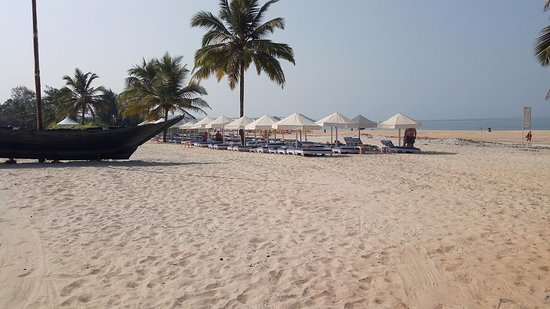 Holiday Inn Resort Goa: Recliners owned by hotel