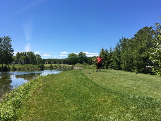 Wasaga Beach, Kanada: beautiful view on the course - well...mostly