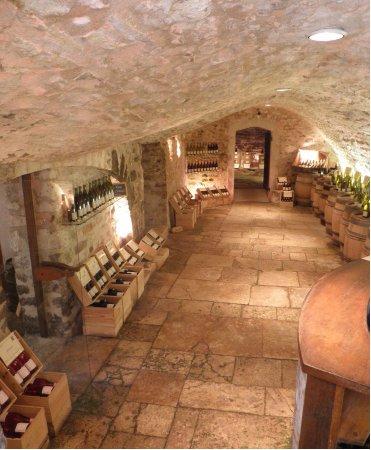 Chablis, Francja: La Cave