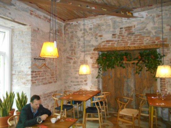 väike rataskaevu restoran