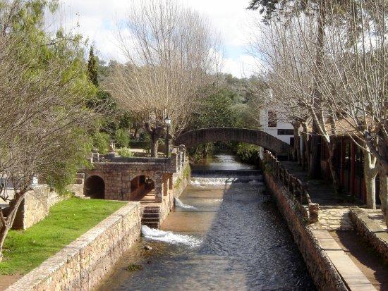 foto de algarve portugal alte canal in alte portugal. Black Bedroom Furniture Sets. Home Design Ideas