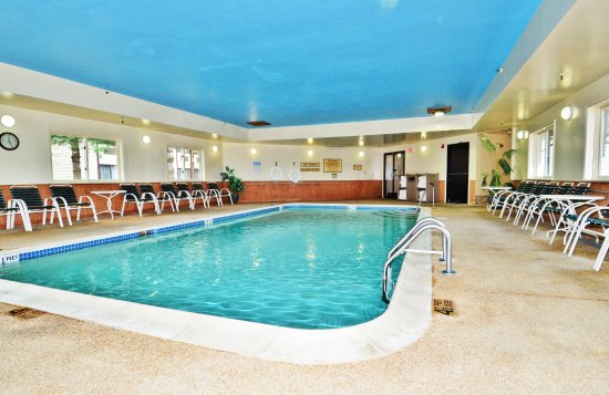 Pool - Picture of Best Western Saranac Lake, Saranac Lake - Tripadvisor