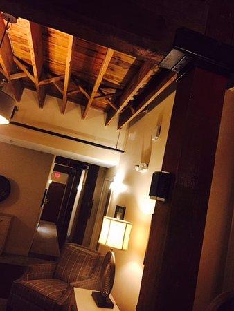 Pulaski, VA: Hallway in hotel