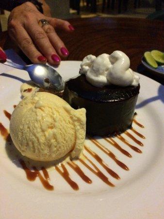 El Manglar: Chocolate Mousse Tort