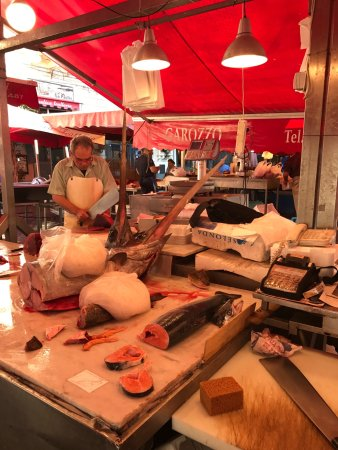 Province of Catania, Włochy: A total culinary experience, from market to mouth!