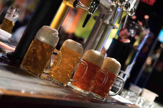 San Martino di Lupari, Italy: 7 spine di birra e 20 tipi di birre in bottiglia