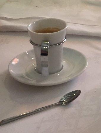 Flagey-Echezeaux, فرنسا: Café