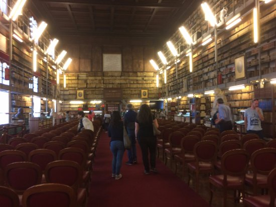 Castel Capuano: BIBBLIOTECA