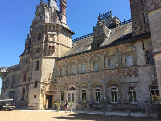 Cloyes-sur-le-Loir, France : Un si beau château
