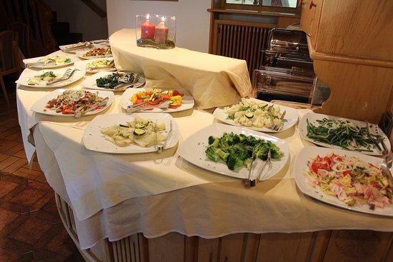 Renon, Italia: Dinner salad buffet