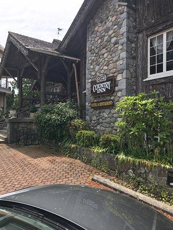 Latch Country Inn-Restaurant: photo0.jpg