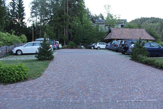 Renon, Italia: Parking lot