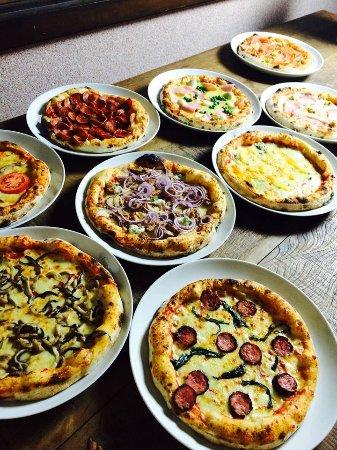 Divina Pizzeria